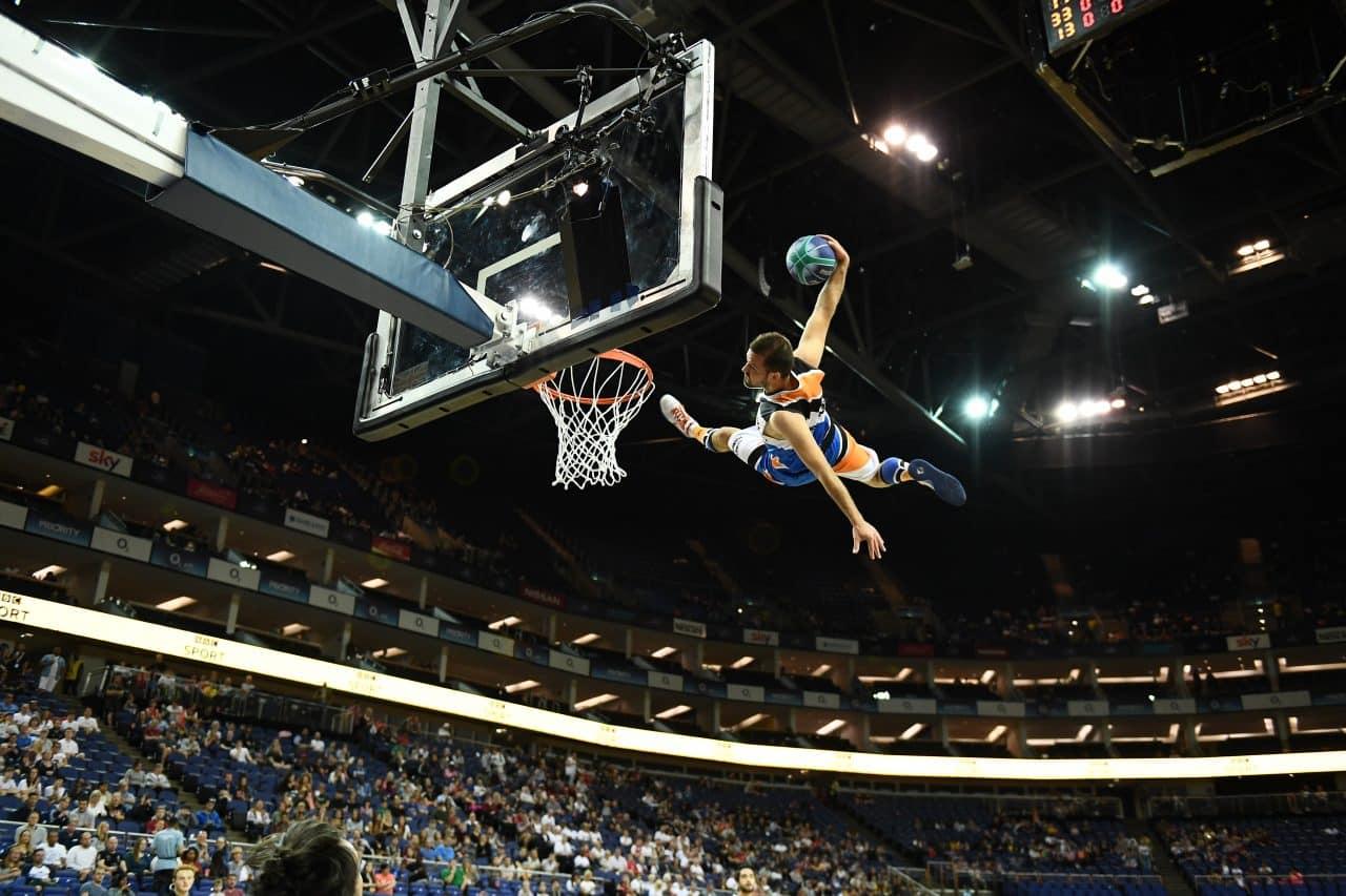 BBL PLAYOFF acrobatic basketball