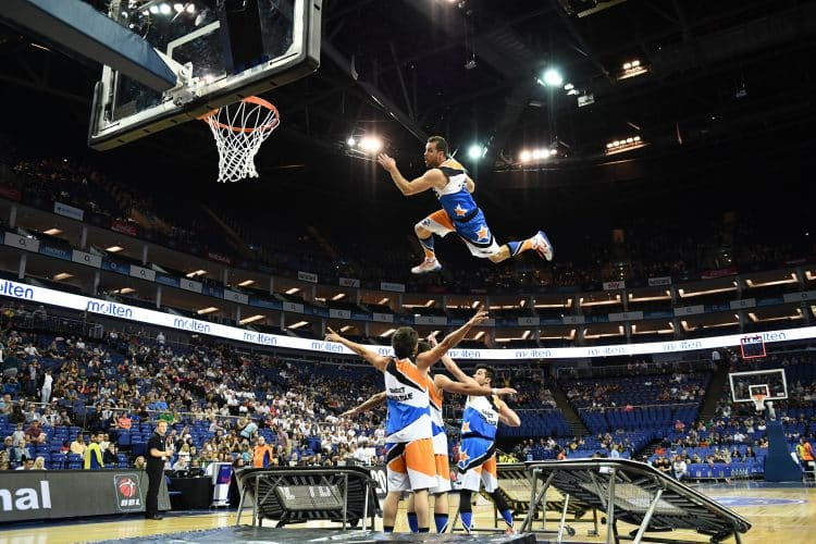 BBL PLAYOFF acrobatic basketball