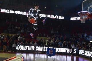 Basket acrobatique et dunk des Barjots dunkers en Belgique