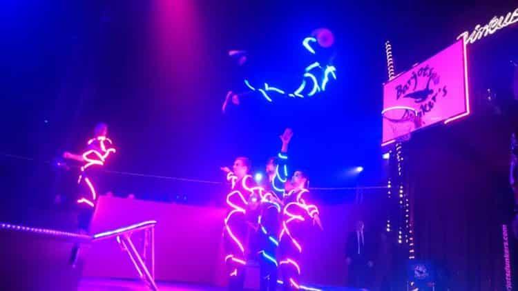 dunk led show cirque
