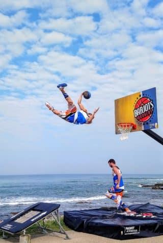 acrobatic basket ball sea