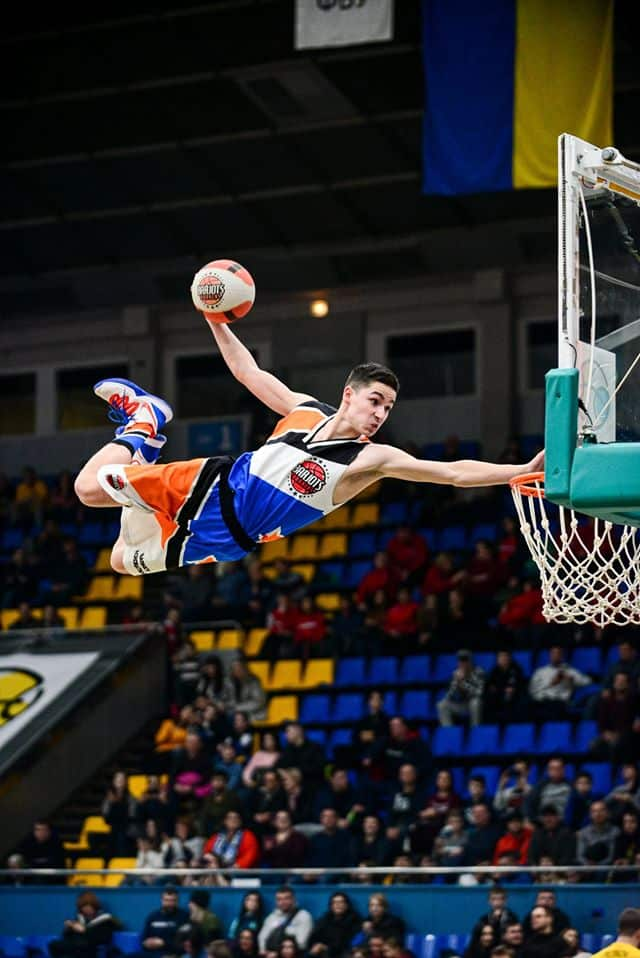 Barjots dunkers All star game Ukraine in KIEV Acrobatic basketball
